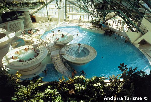 Evadium entrada nocturna spa caldea en andorra - Spa aguas de barcelona ...