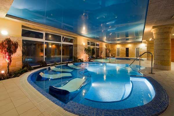 Granhotel elba estepona spa2 for Hoteles de lujo modernos
