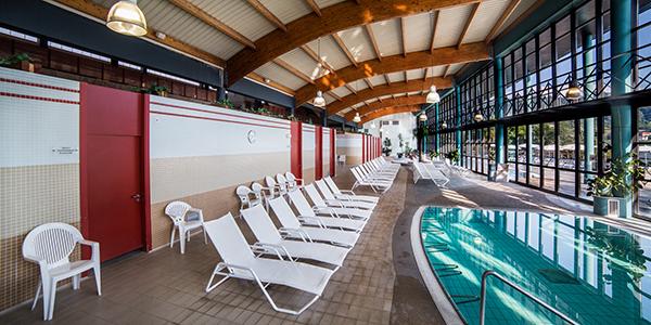 Evadium alojamiento hotel balneario laias for Piscinas en ourense